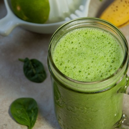 Green Smoothie with Lime and Cucumber