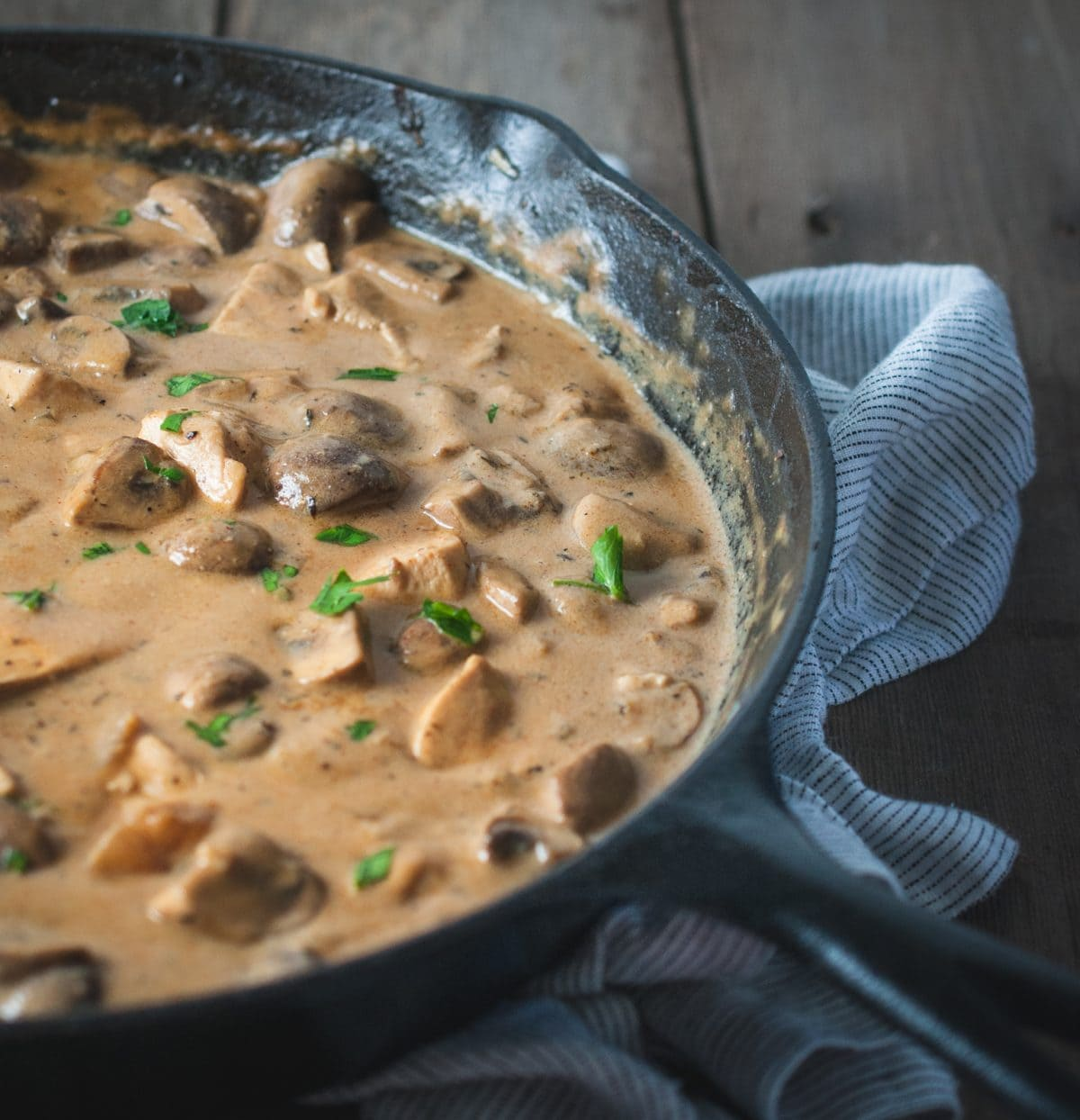 skillet full of chicken stroganoff